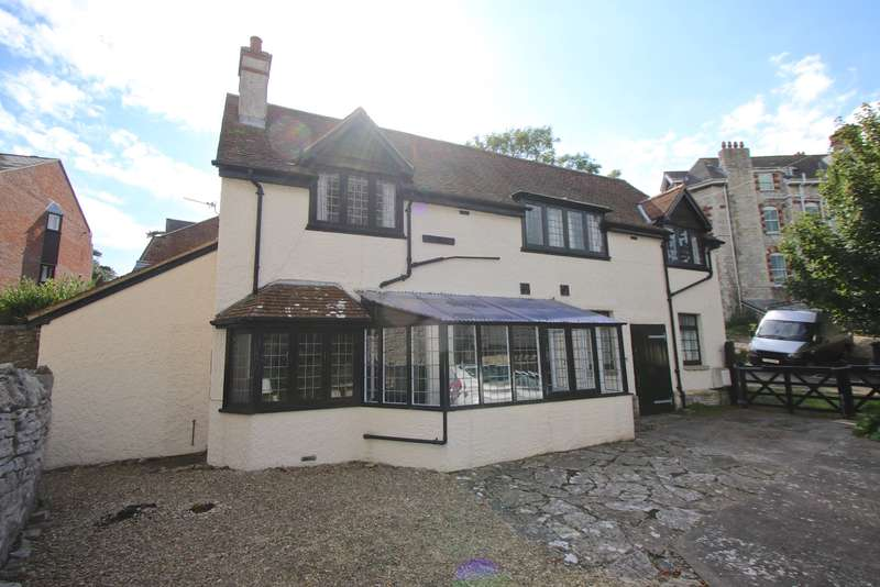 3 Bedrooms Detached House for sale in SENTRY ROAD, SWANAGE
