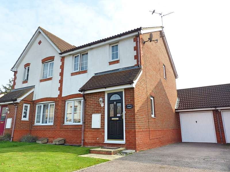 3 Bedrooms Semi Detached House for sale in Ferndale , Yaxley, Peterborough, PE7 3ZQ