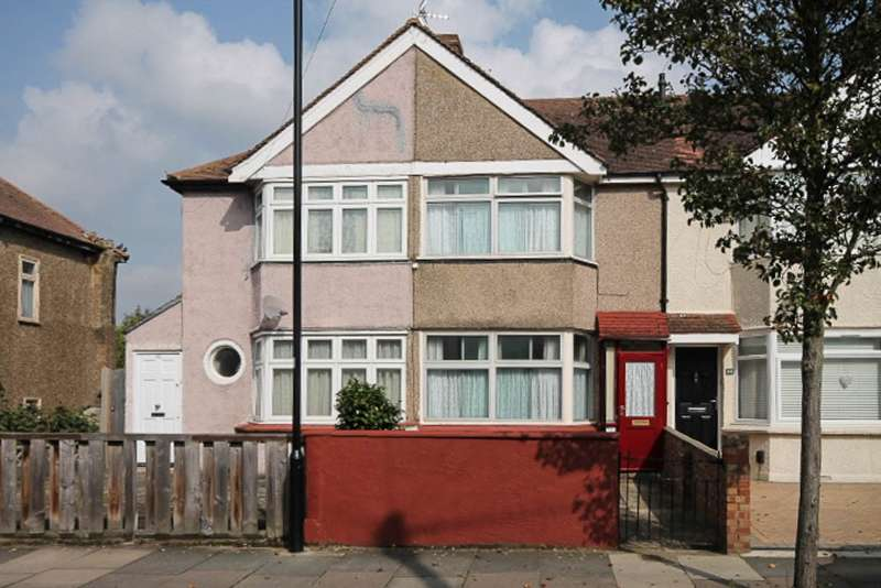 2 Bedrooms Terraced House for sale in Guildford Avenue, Feltham, TW13