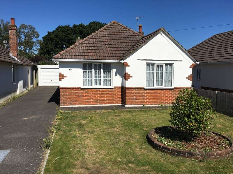 2 Bedrooms Detached Bungalow for sale in Markham Avenue, Northbourne, Bournemouth