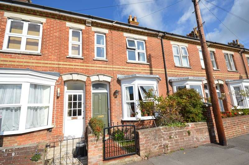 2 Bedrooms Terraced House for sale in Emsworth Road, Lymington