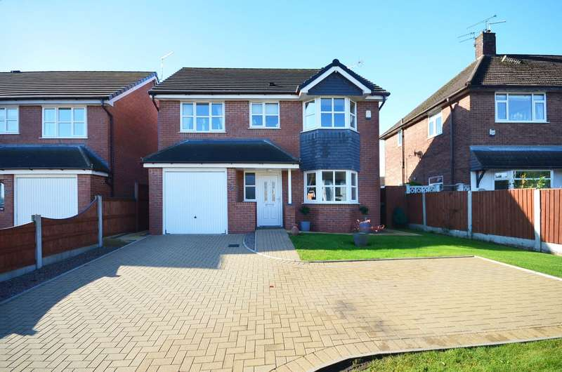 4 Bedrooms Detached House for sale in Uttoxeter Road, Blythe Bridge, ST11 9JG