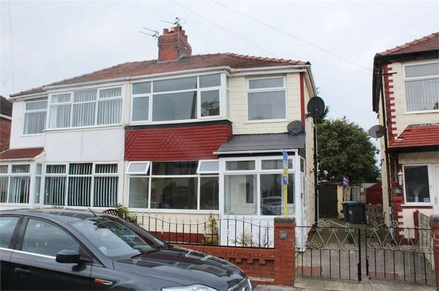 3 Bedrooms Semi Detached House for sale in Gretna Crescent, Thornton-Cleveleys, Lancashire