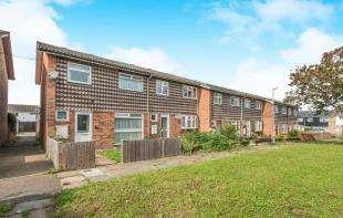 3 Bedrooms End Of Terrace House for sale in Rumania Walk, Gravesend, Kent, Gravesend