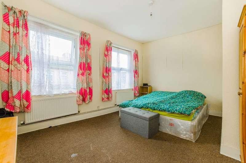 1 Bedroom Flat for sale in Reginald Road, Forest Gate, E7