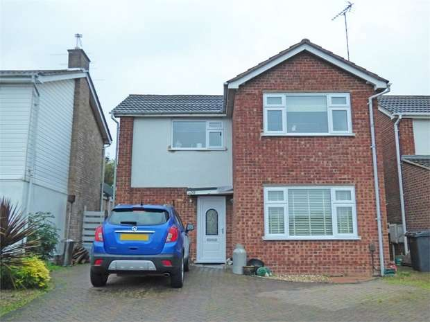 3 Bedrooms Detached House for sale in Park Rise, Leicester