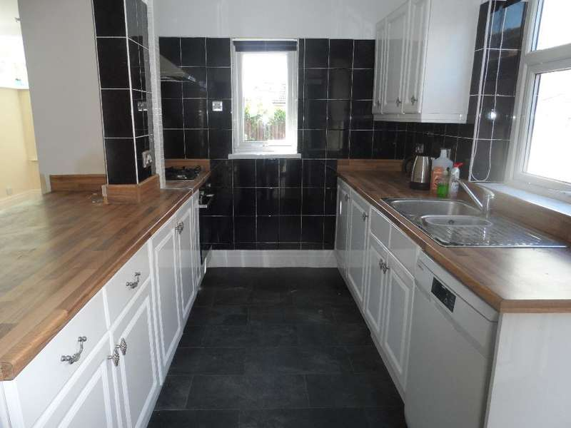 3 Bedrooms Property for sale in 23, Thornton-Cleveleys, FY5 1LB