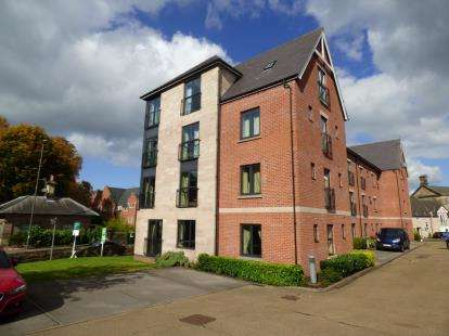 2 Bedrooms Flat for sale in Pennine Place, Belper, Derbyshire