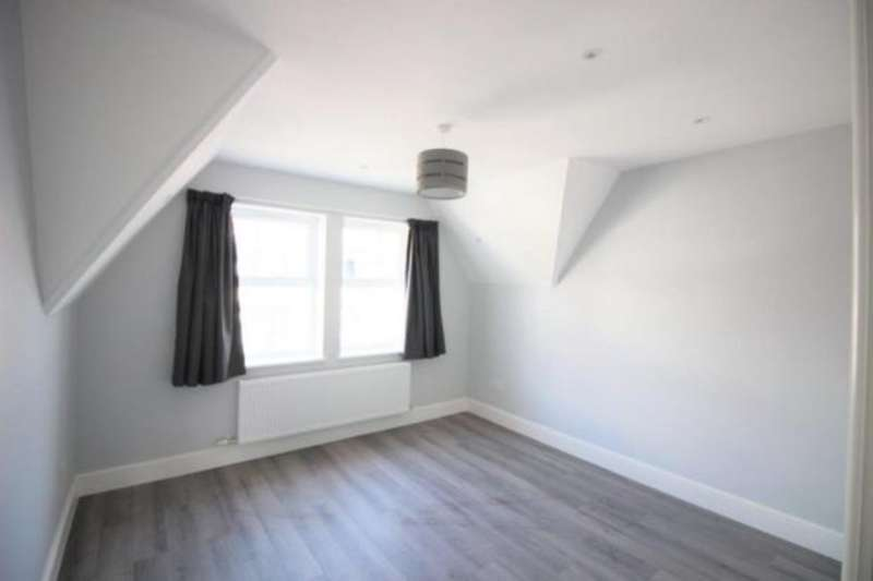2 Bedrooms Flat for rent in High Street, Camberley