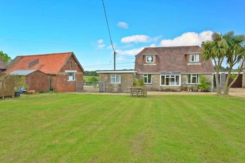 4 Bedrooms Semi Detached House for sale in Whippingham, Isle of Wight