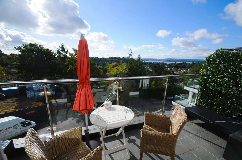 2 Bedrooms Apartment Flat for sale in Highmoor Road, Lower Parkstone, Poole