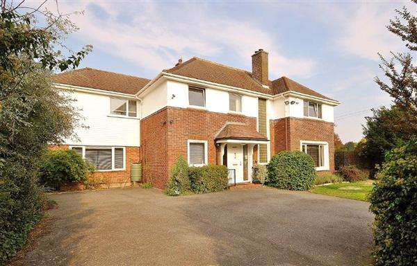 4 Bedrooms Detached House for sale in Ashford,TN24