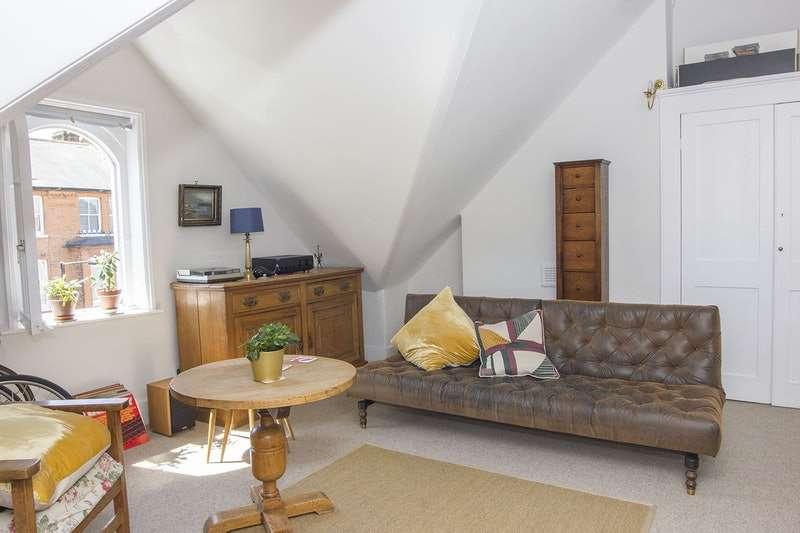 1 Bedroom Flat for sale in Croftdown Road, London, NW5
