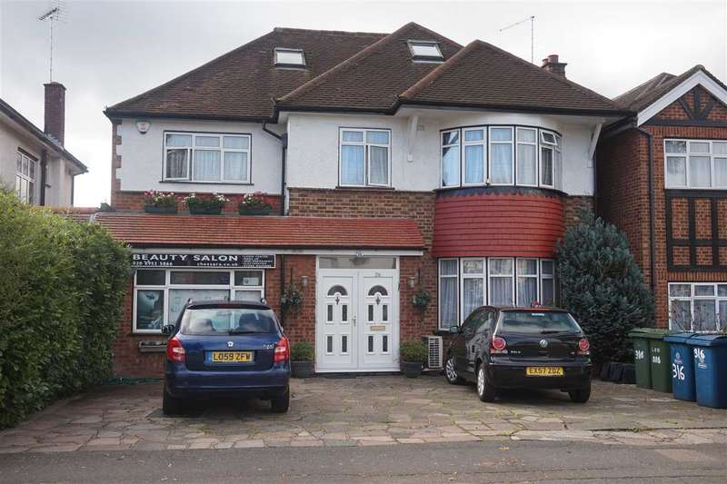 8 Bedrooms Detached House for sale in Whitchurch Lane, Canons Park