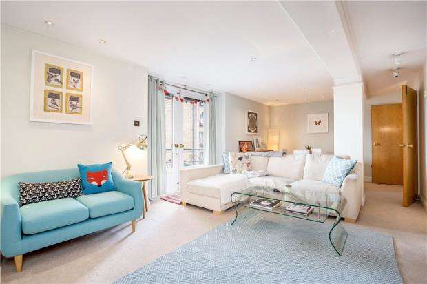2 Bedrooms Flat for sale in St. Saviours Wharf, 8 Shad Thames, London