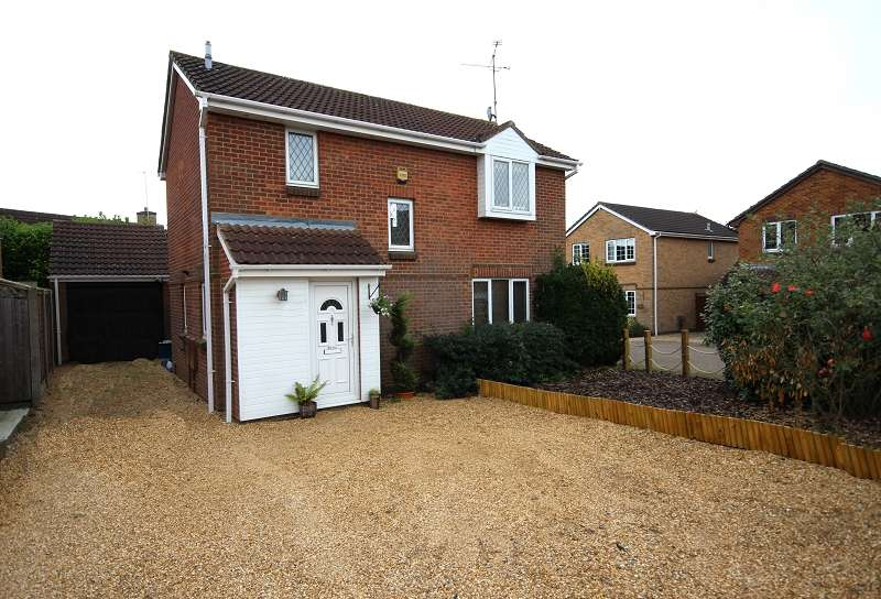 3 Bedrooms Detached House for sale in Yeoman Meadow, Northampton, Northamptonshire. NN4 9YX