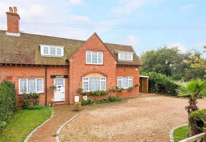 4 Bedrooms Semi Detached House for sale in Moor Lane, Sutton Green, Woking, Surrey, GU22