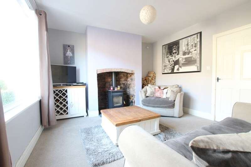 2 Bedrooms Semi Detached House for sale in Park View, Burnopfield, Newcastle Upon Tyne, NE16
