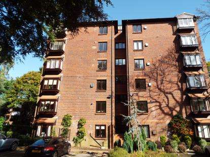 2 Bedrooms Flat for sale in 45 Lindsay Road, Poole, Dorset