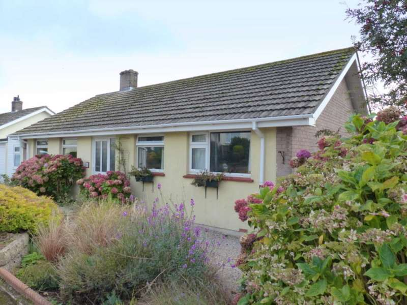 3 Bedrooms Bungalow for sale in Cotmore Way, Kingsbridge