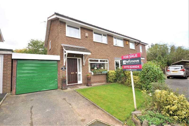 3 Bedrooms Semi Detached House for sale in St Clares Avenue, Fulwood, Preston, Lancashire, PR2 8GX