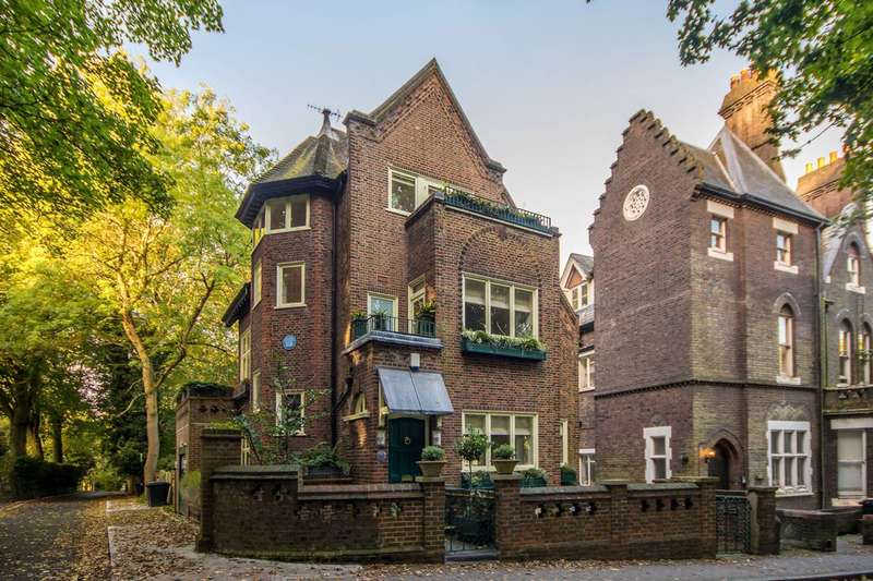 3 Bedrooms Maisonette Flat for sale in Branch Hill, Hampstead, NW3
