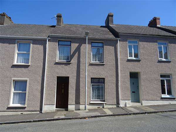3 Bedrooms Terraced House for sale in 65 Gwyther Street