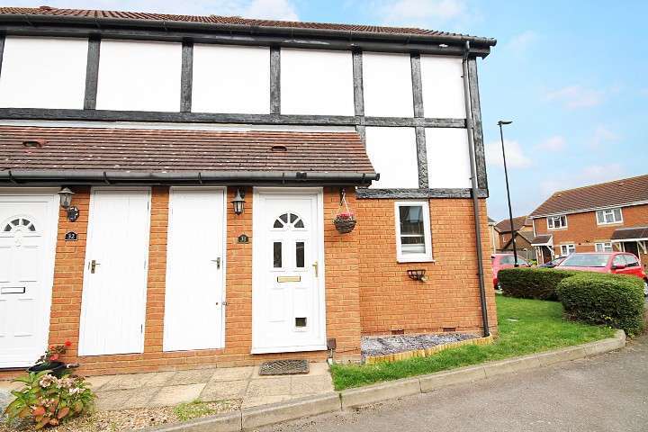 2 Bedrooms Semi Detached House for sale in Pacific Close, Feltham, TW14