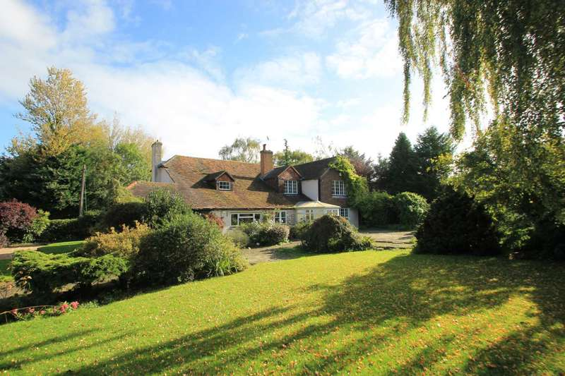4 Bedrooms Detached House for sale in Drayton Beauchamp, Buckinghamshire