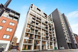 1 Bedroom Flat for sale in Sutton Court Road, Sutton, Surrey, Greater London