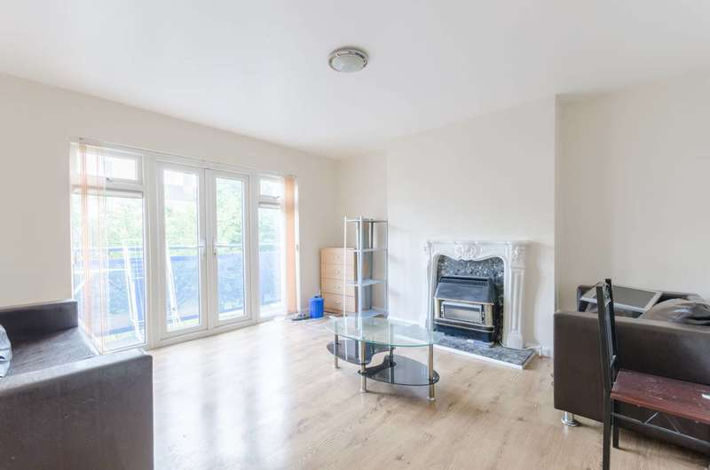 2 Bedrooms Maisonette Flat for sale in Lynmouth Road, Walthamstow, E17