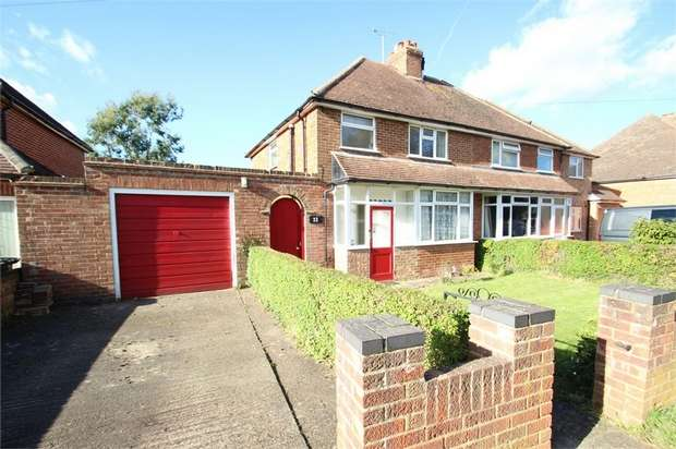 3 Bedrooms Detached House for sale in Gravetts Lane, GUILDFORD, Surrey