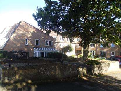 1 Bedroom Flat for sale in Mersham Gardens, Southampton, Hampshire