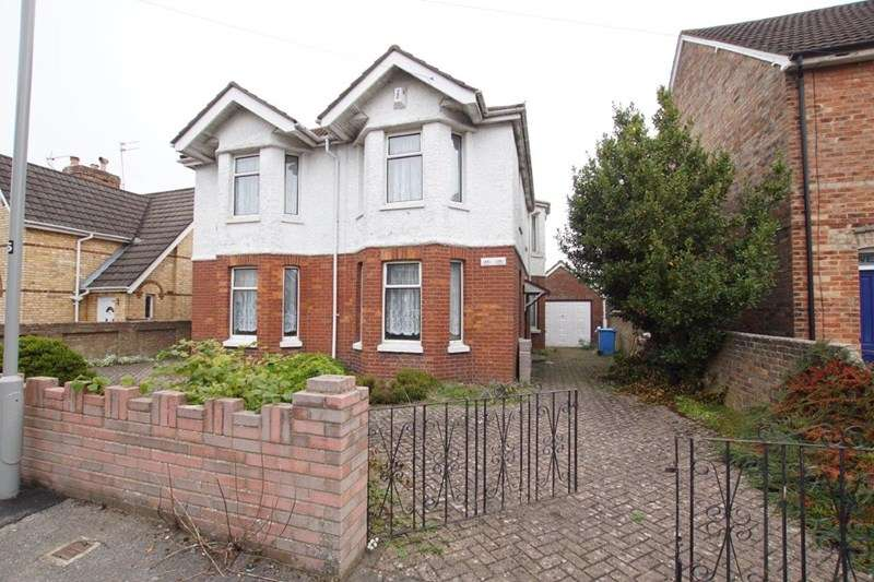 4 Bedrooms Detached House for sale in Buckland Road, Parkstone, Poole