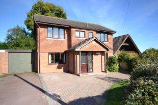 4 Bedrooms Detached House for sale in Osborne Hill, Crowborough, East Sussex