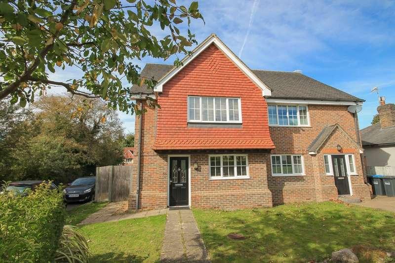 3 Bedrooms Semi Detached House for sale in Sackville Lane, East Grinstead