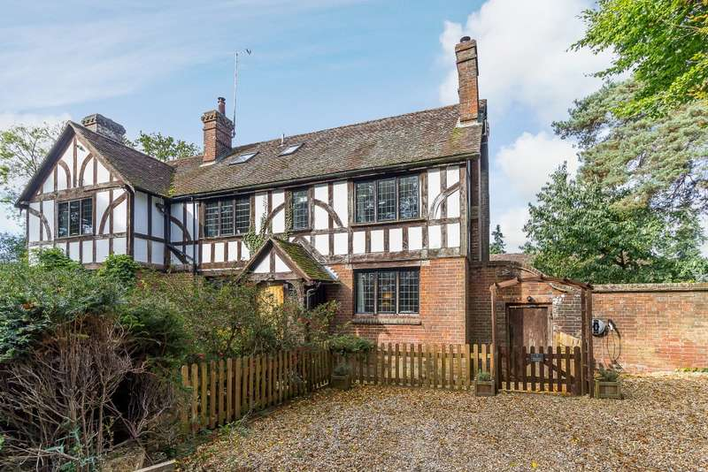 3 Bedrooms Semi Detached House for sale in Chiddingfold