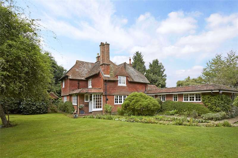 5 Bedrooms Detached House for sale in Petworth Road, Chiddingfold, Godalming, Surrey, GU8