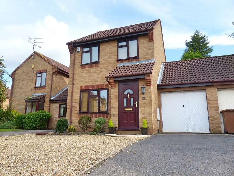 3 Bedrooms Detached House for sale in Hoylake Drive, Farcet, Peterborough, PE7 3BE