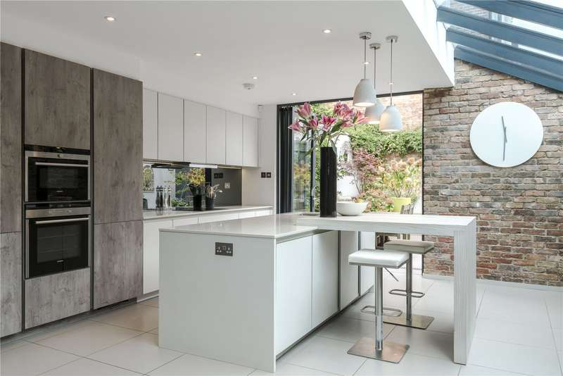 4 Bedrooms Mews House for sale in Priory Park Road, London, NW6