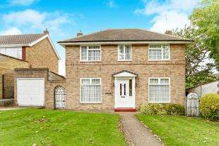 4 Bedrooms Detached House for sale in Barnfield Road, Sanderstead, South Croydon, .