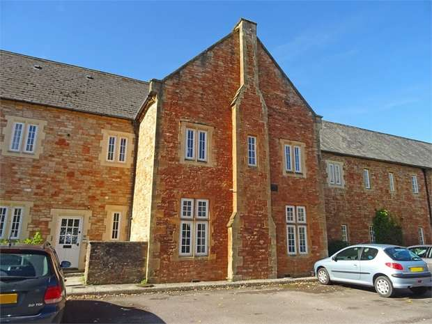 2 Bedrooms Flat for sale in Lower Chapel Court, South Horrington Village, Wells, Somerset
