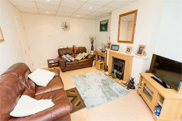 2 Bedrooms Flat for sale in Prospect Road, Shanklin, Isle of Wight
