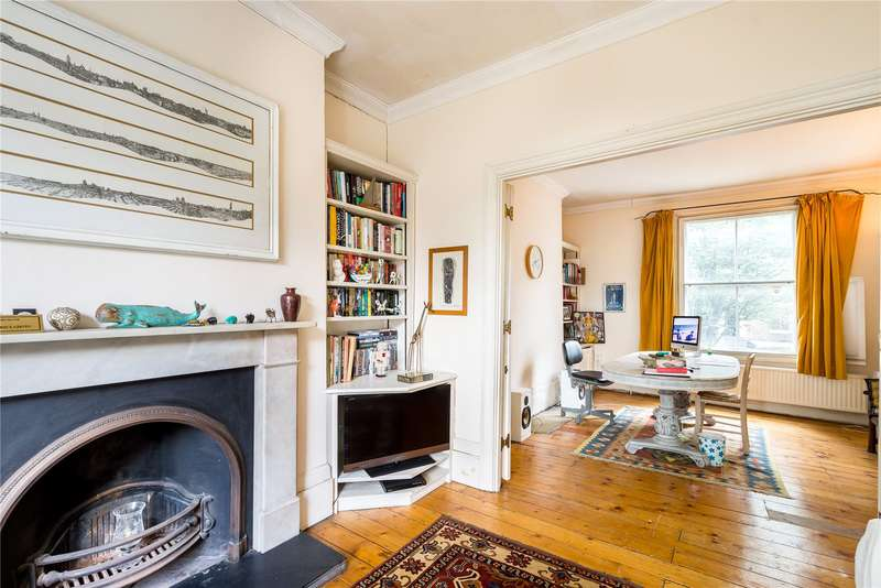 4 Bedrooms Semi Detached House for sale in Southgate Road, London, N1