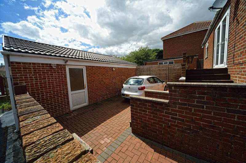 3 Bedrooms Terraced House for sale in Ripon Terrace, Murton, Seaham, SR7