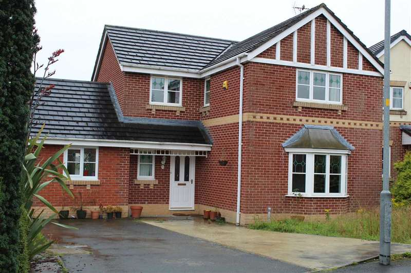 Detached House for sale in Greengrove Bank, Rochdale