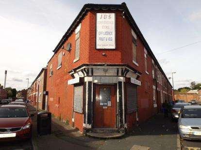 3 Bedrooms Flat for sale in South Grove, Manchester, Greater Manchester, Uk