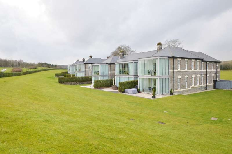 2 Bedrooms Flat for rent in 6 Wyatt House, Hensol, Vale Of Glamorgan CF72 8JY