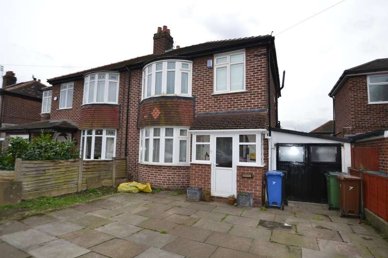 3 Bedrooms Semi Detached House for sale in Lloyd Avenue, Gatley
