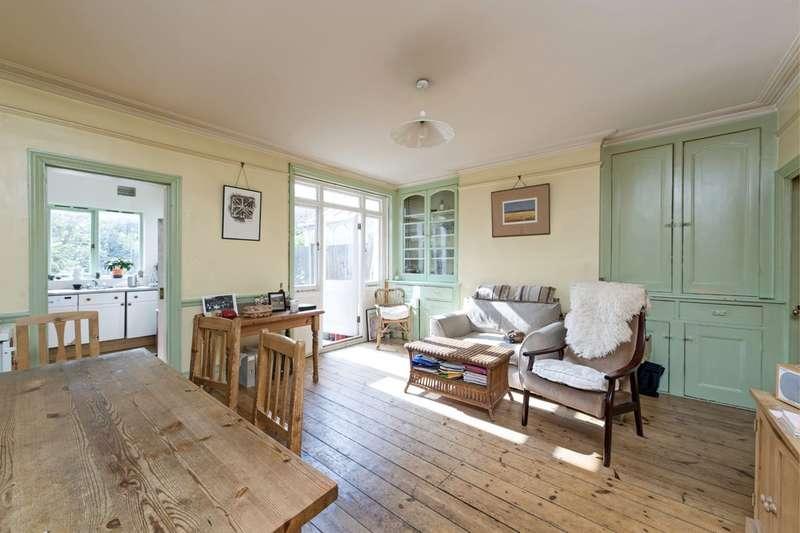 4 Bedrooms Terraced House for sale in Culmstock Road, Battersea, London